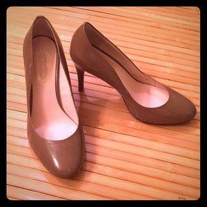 Elie Tahari Tan Patent Leather Heels